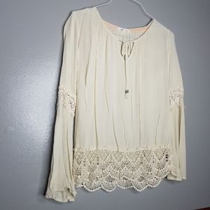Taylor & Sage Ivory Peasant Lace Blouse Medium
